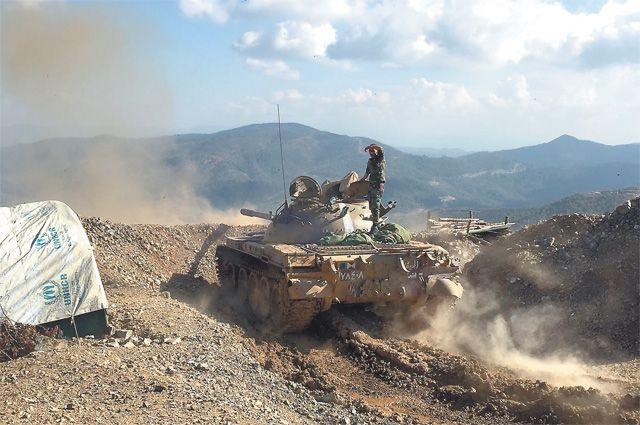 Сирийская армия отбила убоевиков ИГИЛ центр города Эль-Карьятейн
