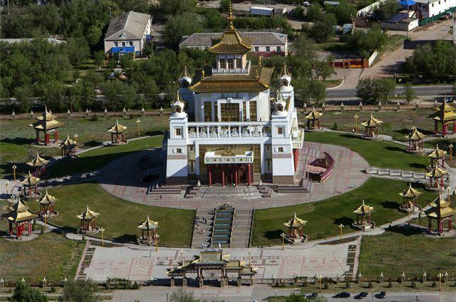 Буддийский храм в Элисте.