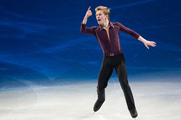 Михаил Коляда – российский фигурист, занявший 4 место на чемпионате мира и финишировавший 5-м на чемпионате Европы.