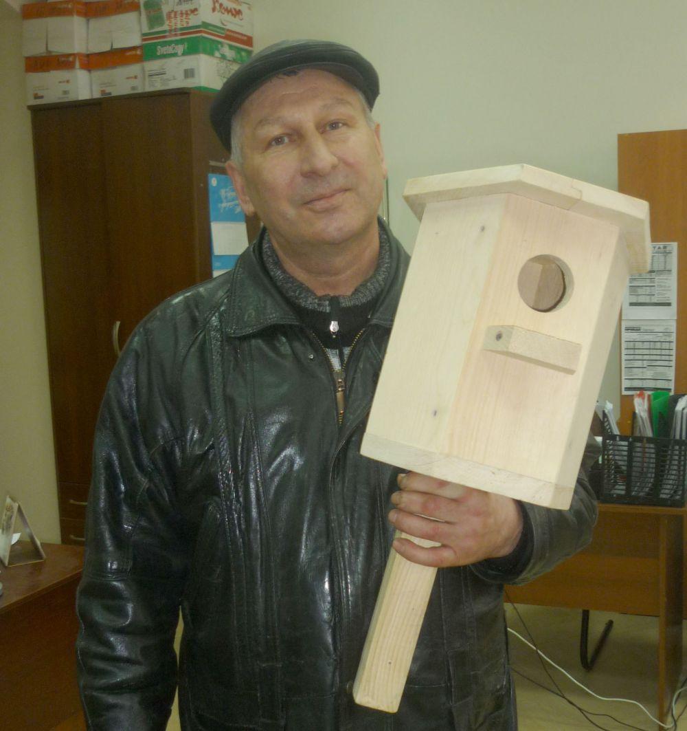 Участник №2. Бородий Сергей Николаевич, столяр.