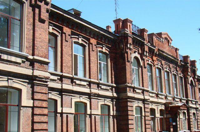 Это старинное здание на улице Ермака хотят передать музыкальной школе.