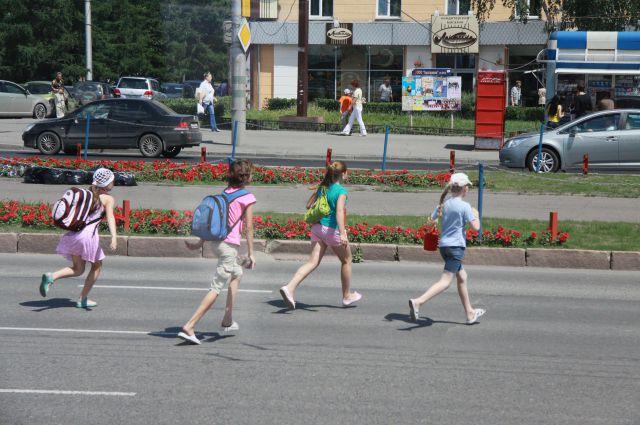 Правоохранители призывают пешеходов к внимательности - не следует бездумно выходить на проезжую часть, даже если есть преимущество в движении.