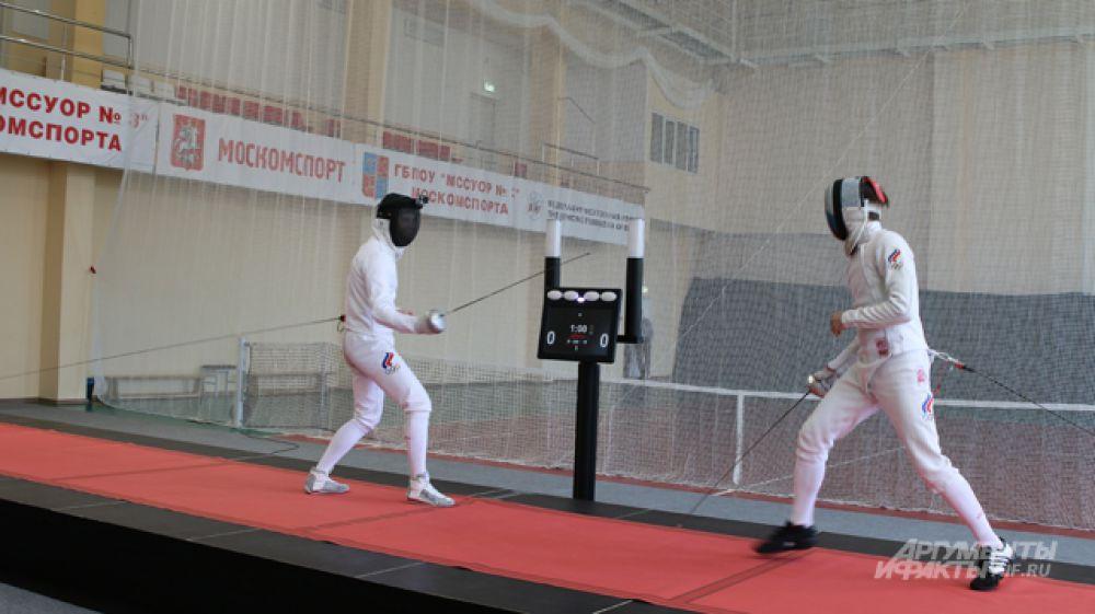 Турнир проходил между молодыми российскими пятиборцами - воспитанниками СДЮШОР «Северный» и ещё более молодыми фехтовальщиками, трёх- и четырёхборцами - воспитанниками училища олимпийского резерва №3 Москомспорта.