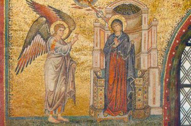 Православный люд сегодня отмечает один из основных праздников