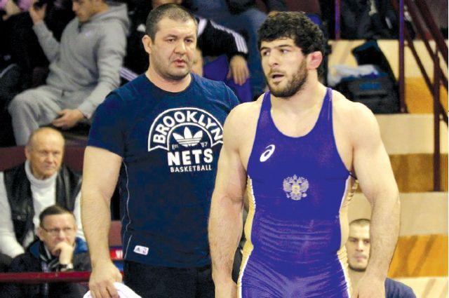 Х. Гацалов (справа) - один из подопечных Т.Катаева (слева).