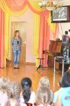 Даша проводит мероприятие в детском саду «Ласточка».