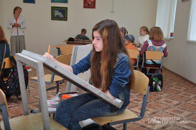 Художественное образование становится всё менее доступным для юных ярославцев.