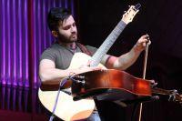 Лука Стриканьоли постоянно переизобретает гитару