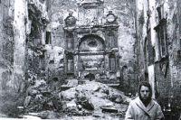 Разрушенный изнутри Кафедральный собор.