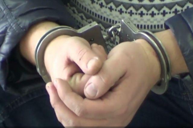 Задержали сожителя, который подозревается в нанесении ран женщине.