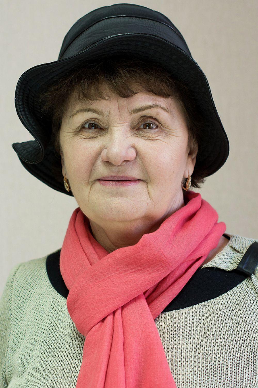 Трушик Вера Васильевна, 67 лет. «Счастье – это здоровые родные, любимые и друзья рядом со мной».