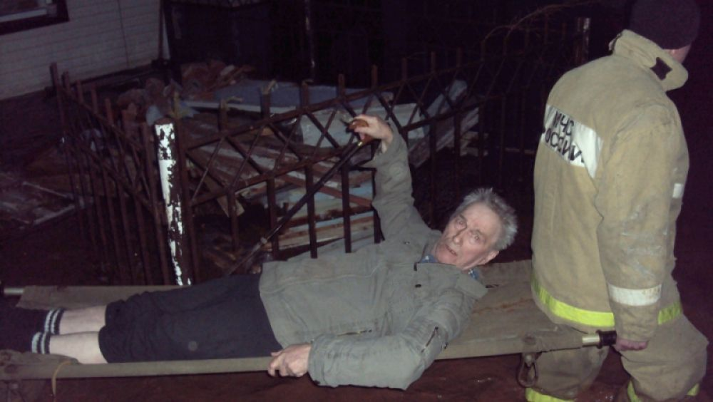 Спасатели эвакуировали жителей двух домов, попавших в зону подтопления по ул. Гагарина