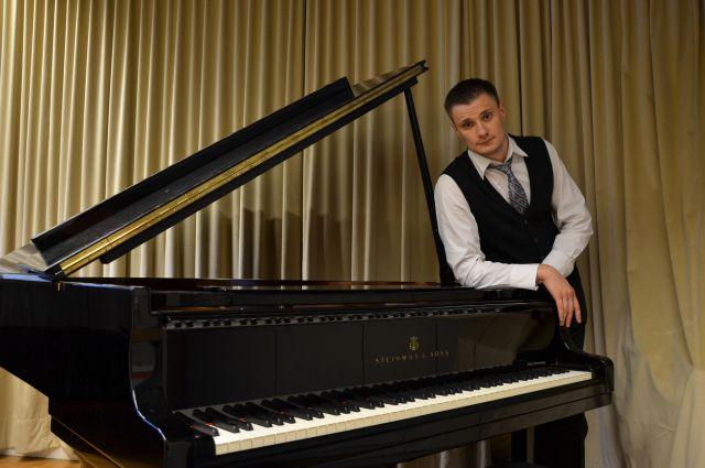Антон Берлев.