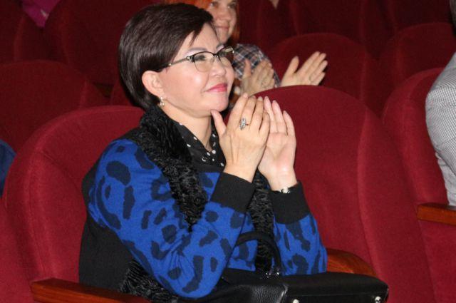 Роза Рымбаева отметила, что казахстанские дороги такие же, как в Омске.