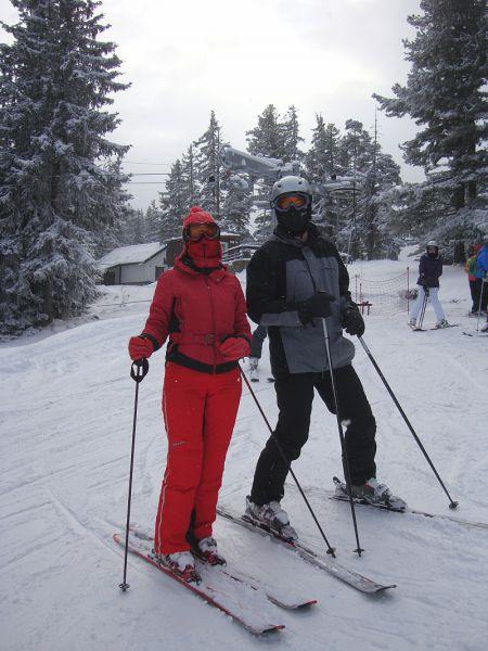 Лыжи - один из любимеших видов спорта супругов.