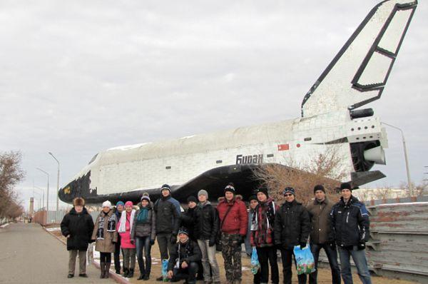 В экспозицию музея Байконура входит орбитальный корабль-ракетоплан советской многоразовой транспортной космической системы (МТКК), созданный в рамках программы «Энергия — Буран».