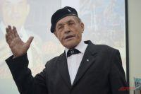 В свои 80 лет художник полон энергии и готов к взятию новых вершин