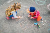 Счастливое детство - важная задача для взрослых.