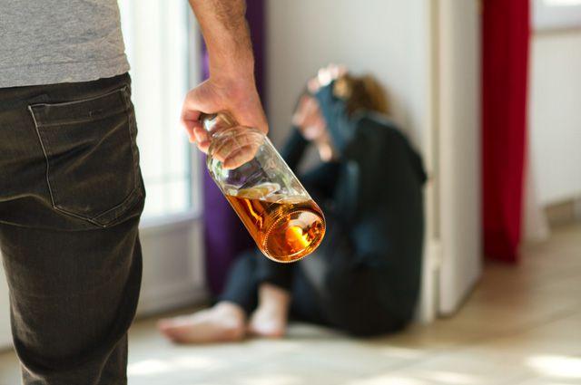 Алкоголизм и проблемы семей с алкоголиками