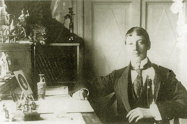Николай Гумилёв.