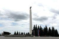 Обелиск на площади 30-летия Победы в Ульяновске.