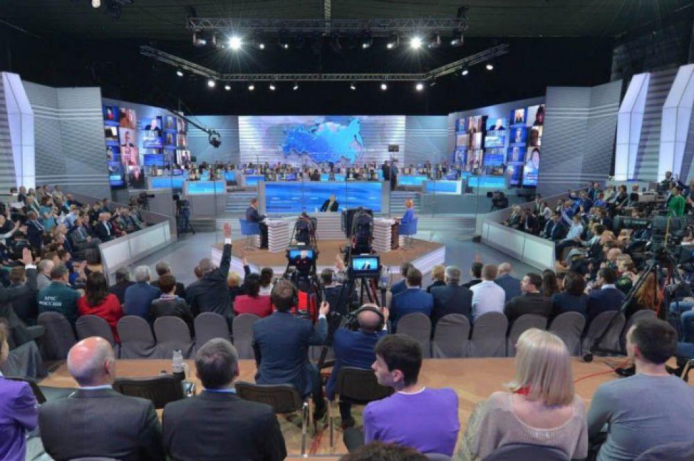 14 апреля россияне интересовались вопросами заработной платы, качества дорог, отечественных медикаментов, санкций, ОСАГО, отдыха в Крыму, тарифов ЖКХ и многими другими.
