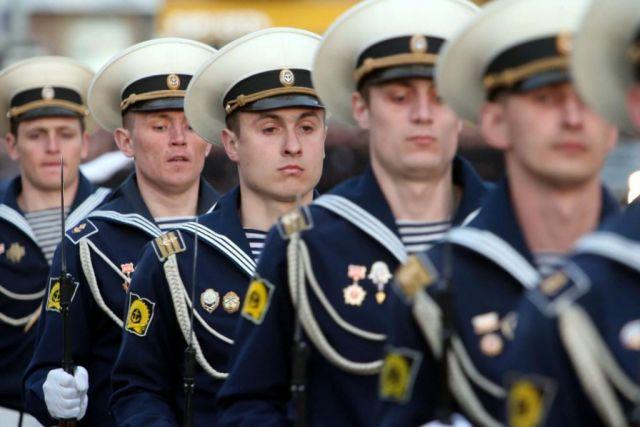500 курсантов БВМИ пройдут 9 мая в военном параде на Красной площади.