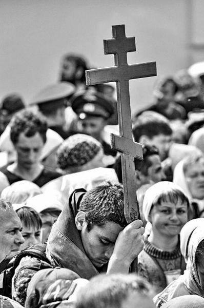 Великорецкому крестному ходу посвящены многие работы автора.