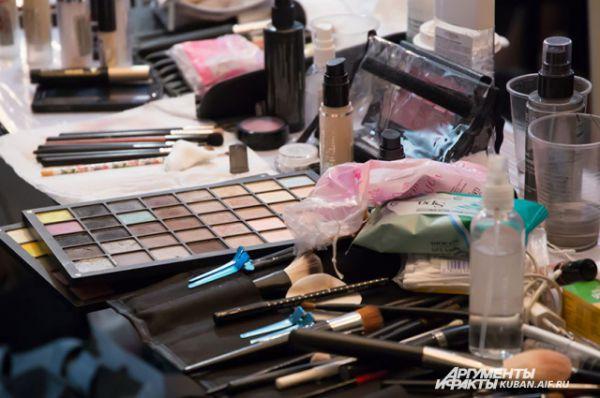 К каждой коллекции одежды подбирается специальный макияж.