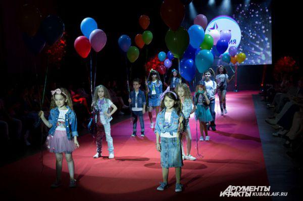 Коллекция детской одежды от Виктории Шкариной, обладательницы титула топ-модели World Art&Fashion-2012.