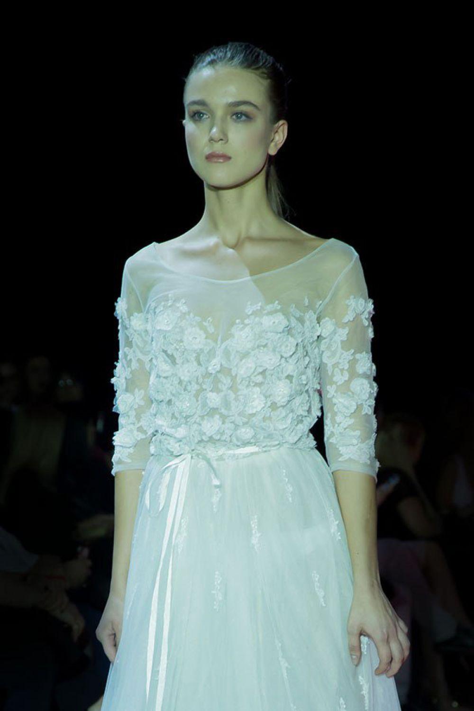 Нежное белое платье от Натальи Сваричевской из Крыма.