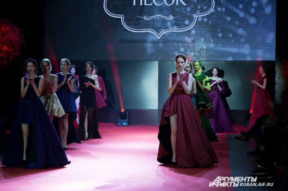 Роскошные вечерние платья от питерских дизайнеров Елены Николаевой и Марии Мерненко.