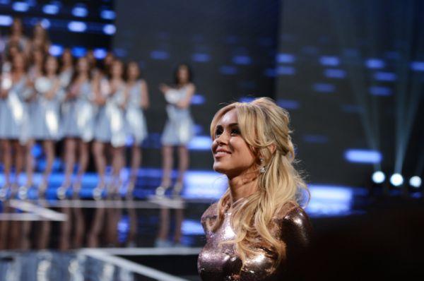 Мисс Тюмень 2005, Мисс Россия 2007, Мисс Мира 2008, член жюри национального конкурса «Мисс Россия 2016» Ксения Сухинова.