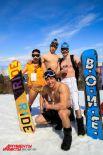 Сноубордисты как всегда всем своим видом пытались показать, что они круче лыжников.
