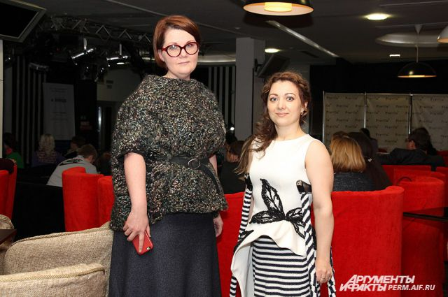 Дизайнер Светлана Головина (слева) и модель Ксения Гиниятуллина.