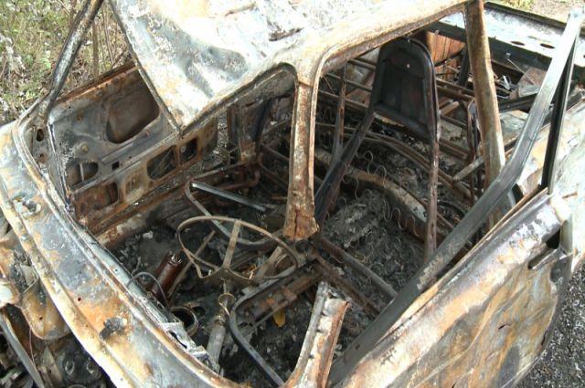 Огонь уничтожил автомобили в считанные минуты