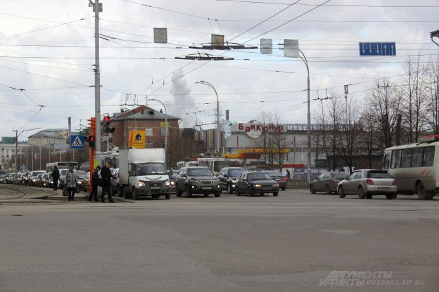 С приходом весны в городе увеличивается количество машин, а значит, растёт и объём вредных выхлопных газов, которые горожане вдыхают на улицах.
