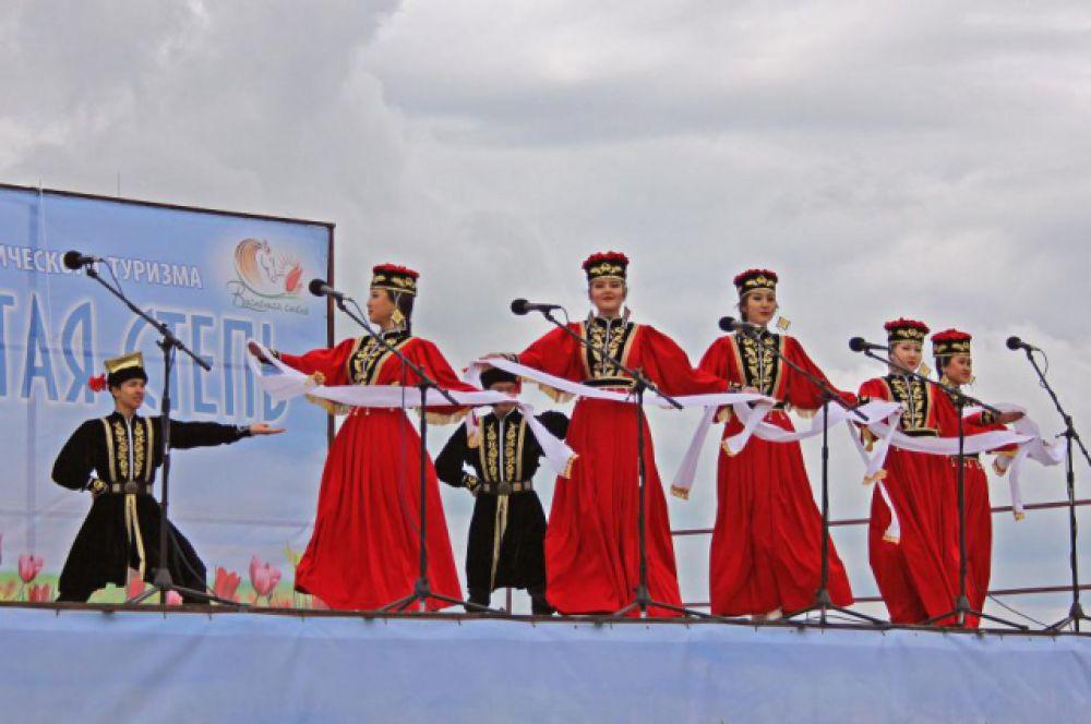 Фестиваль экологического туризма «Воспетая степь» стал уже традиционным, и в этом году прошёл в пятый раз.