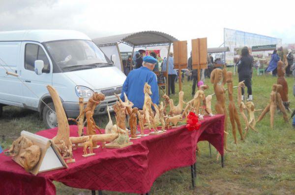 Участники фестиваля показали свои умения в художественном творчестве, науке, народных промыслах.