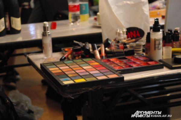 Палитра красок для показов должна быть как можно шире.