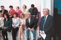 Режиссёр Юрий Кара тоже зарегистрирован для участия в предварительном голосовании и дебатирует наравне с профессиональными политиками.