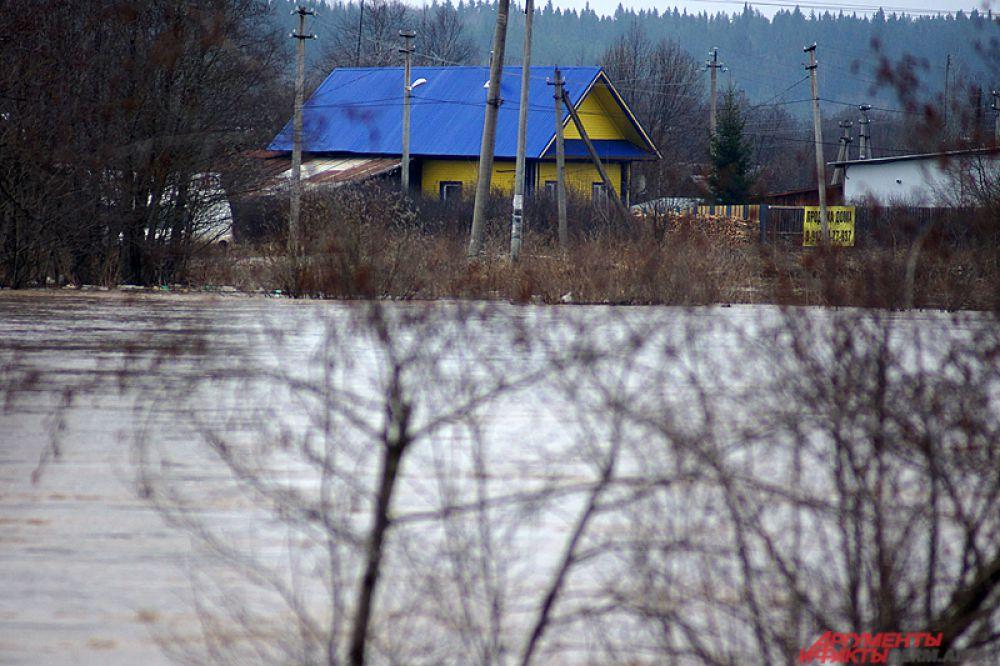 По его словам, немаловажной причиной мощного потопа стал прорыв на плотине на озере рядом с посёлком Звёздный.