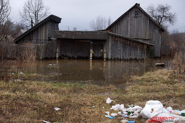 В зоне затопления оказались 18 местных жителей.