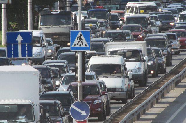 В городе продолжают корректировать работу светофоров.