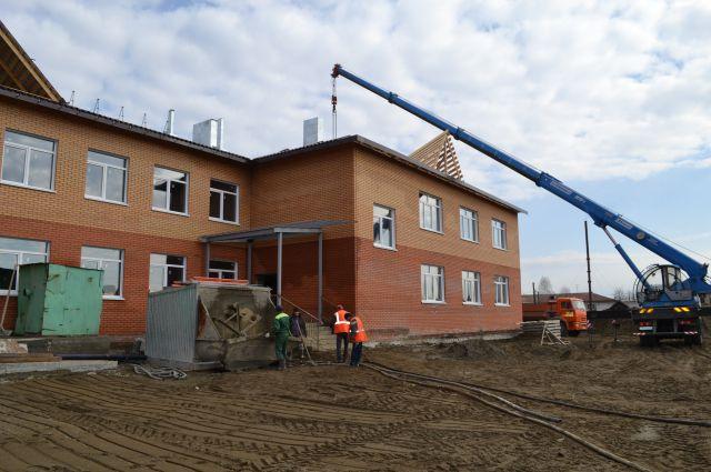 Новый детский сад на улице Садовой сможет принять 200 ребятишек уже осенью этого года.