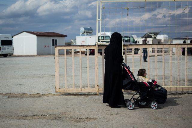 СМИ сообщили о расстрелах турецкими пограничниками сирийских женщин и детей