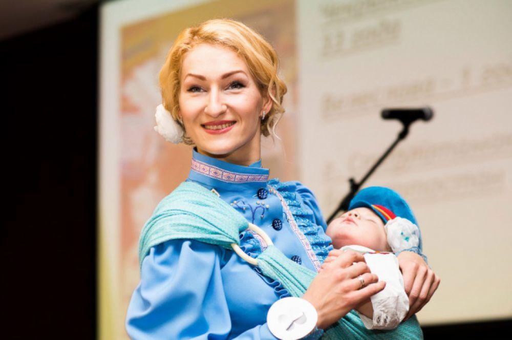 Екатерина и Лев Тоцкие попали на всероссийский конкурс вполне закономерно: когда малышу было семь месяцев, Тоцкие встречали Новый год на горе над Кисловодском.
