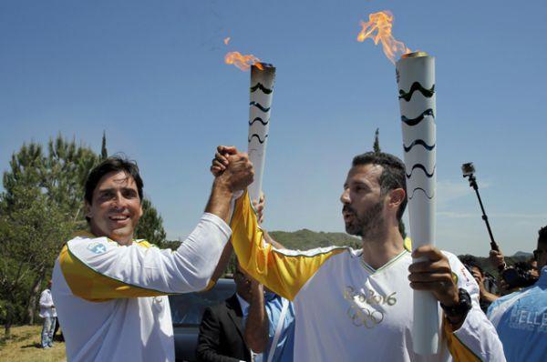 Элефтериос Петруниас и Джоване Гавио.