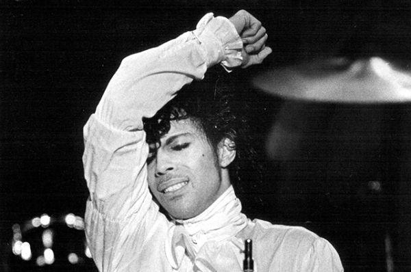 Певец специализировался на жанре ритм-энд-блюз, однако в его песнях зачастую сплетены многие другие жанры: рок, соул, фанк, хип-хоп, диско, джаз и поп.