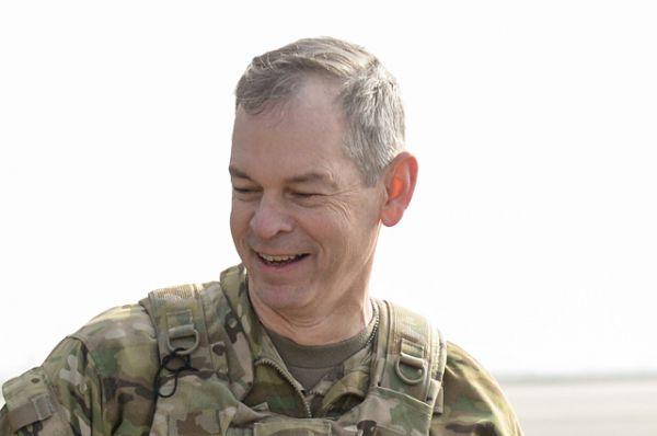 Командующий антитеррористической операцией против ИГ* генерал-лейтенант ВС США Шон Макфарланд.